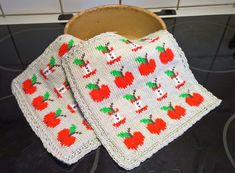 Knitting Charts, Knitting Projects, Pot Holders, Knit Crochet, Crochet Patterns, Blanket, Clothing, Crochet Hot Pads, Hand Crafts