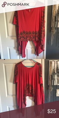 Free People Flowy Shirt So pretty. 3/4 sleeve. Worn maybe 1-2 times. Great condition. Size XS BUT can definitely fit up to medium. Free People Tops Blouses