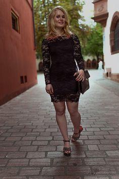 fashion, lace, dress, christina key, christina keys blog, portrait, photography, freiburg, style, inspiration, blonde, hair, lipstick, make up, girl, woman, wild, look, face, romantic, germany,