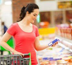 Saiba como evitar o inchaço das pernas com dicas de alimentação