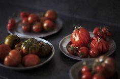Early roasted tomato soup Roasted Tomato Soup, Roasted Tomatoes, Cream Of Tomato Soup, Van, Vegetables, Food, Vans, Hoods, Vegetable Recipes