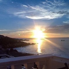 Another beautiful sunset.. #12apostles #capetown #12apostleshotel #southafrica #africa #sunset #sundowners #cocktails #drinks #vodka #redbull #tonic #house #housemusic #techno #deephouse #music #bar #chilling #ocean #oceanside #oceanview #horizon #justanothernight #nosleep #missing #toughday #ifyoudontknowdontworry by jay.888 http://ift.tt/1ijk11S