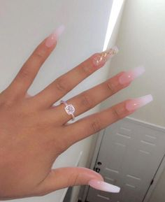 Best Nail Art - 35 Amazing Nails for 2020 Are you looking for the Best Nail Art? Today we have some of the best nail art featuring 35 amazing nails for Perfect Nails, Gorgeous Nails, Pretty Nails, Amazing Nails, Amazing Art, Milky Nails, Aycrlic Nails, Coffin Ombre Nails, White Coffin Nails