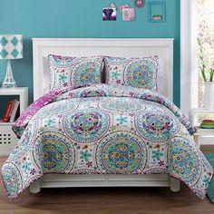 Dorm quilt set from bed,bath,&beyond