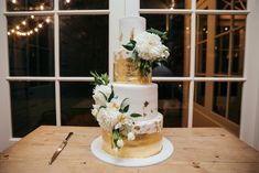 Perfection in four 4 tiers Wedding Cake Inspiration, Beautiful Wedding Cakes, Most Beautiful, Wedding Photography, Table Decorations, Wedding Photos, Wedding Pictures, Dinner Table Decorations