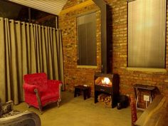 Granaat - Garnet is a beautiful home just a short walk from the beautiful town of Clarens town center. The luxury accommodation is ideal for couples.It consists of two detached units with air conditioning, DStv .