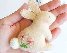 Sewing Animals Patterns Easy PDF pattern - Easter ornaments - Bunny, hen and dove felt ornament, easy sewing pattern, DIY wall hanging decoration, spring embroidery by Lorraine Romkey Spring Crafts, Holiday Crafts, Craft Projects, Sewing Projects, Felt Projects, Fabric Crafts, Diy Crafts, Diy Ostern, Easy Sewing Patterns