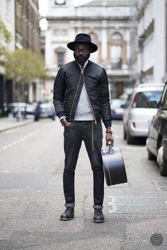 #youcancallmehitch #barneybarrett #barney-barret #minimalism #fashion #style #menswear #bomberjacket #streetstyle #streetwear
