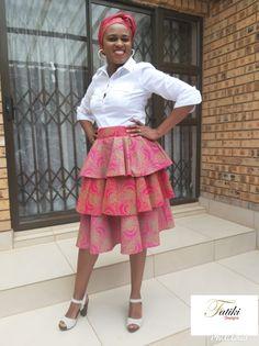 African Traditional Wear, Lace Skirt, Midi Skirt, Skirts, How To Wear, Fashion, Moda, Midi Skirts, Skirt
