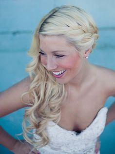 If you normally wear your hair down and aren't sure about an updo then the side swept look is for you! This style works best for brides with medium to long hair. With one side back and off your face, the other side is free to cascade down and frame your face and lay upon …