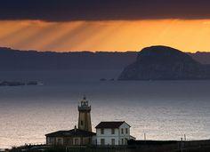 Faro de San Juan de Nieva e isla de la Deva   Flickr