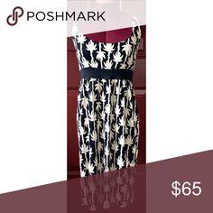 """Diane von Furstenberg dress Diane von Furstenberg (aka, DVF) palm-print dress. 100% silk. Size 12. Measures approx 23"""" from bottom of black band (which sits right under bust). Diane von Furstenberg Dresses"""