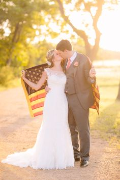 This Independence Day Wedding Rocks Its Subtle Theme