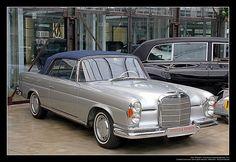 1961 Mercedes-Benz W111 (220 SE) Cabrio (07)