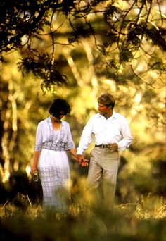 Out of Africa - Meryl Streep & Robert Redford Robert Redford, Meryl Streep, Gary Oldman, Barack Obama, Sydney Pollack, Karen Blixen, British Colonial Style, Cinema, In And Out Movie