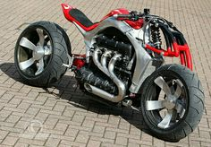 Roger Allmond's Extraordinary Concept Motorcycle - Triumph Rocket III All that remains of the donor bike provided by Triumph are the Triumph 3 Triumph Rocket, Concept Motorcycles, Cool Motorcycles, Custom Street Bikes, Custom Bikes, Motorcycle Outfit, Motorcycle Bike, Super Bikes, Moto Journal