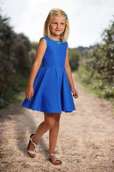 Jurk speciale rug Toddler Boy Fashion, Girl Fashion, Girls Party Dress, Girls Dresses, Party Dresses, Kids Frocks, Summer Girls, Clothing Patterns, Kids Outfits