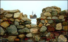 Το ναυάγιο στο Γύθειο, η αλήθεια πίσω από το μύθο του πλοίου φάντασμα.. #traveltales Greece Travel, Passion, Beach, Image, Thousand Islands, Countries, Blue, The Beach, Seaside