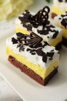 prajitura inghetata falsa Romanian Desserts, Romanian Food, Sweets Recipes, Cake Recipes, Cake Bars, Cake Tasting, Desert Recipes, Cakes And More, Creative Food