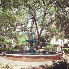 Summer afternoon in Lafayette Square • Visit Savannah
