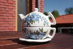 Set of teapot and cup with saucer size big. Lidded teapot with cup and saucer perfect for your tea time. Tea For One, Teapots And Cups, Cup And Saucer, Tea Time, Tea Pots, Big, Tableware, Creative, Handmade