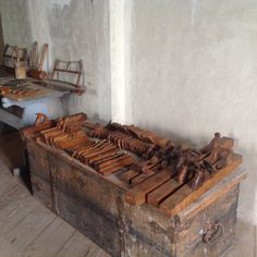 Then, I went back to Stockholm. I had long known about Skokloster Slott of… Woodworking Ideas Table, Woodworking Planes, Antique Woodworking Tools, Woodworking Chisels, Antique Tools, Old Tools, Vintage Tools, Fine Woodworking, Old Tool Boxes