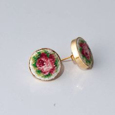 Golg-plated silver earrings embroidered roses puset. The best
