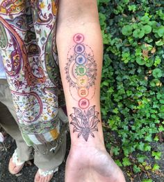 Henna Tattoos, Tattoos Bein, Dope Tattoos, Back Tattoos, Leg Tattoos, Arm Tattoo, Body Art Tattoos, Small Tattoos, Henna Inspired Tattoos