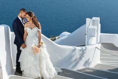 Santorini Wedding, Caldera View, Greece, Happiness, Sea, Amazing Couple, Bouquet, Flowers