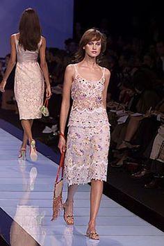 Valentino Spring 2000 Ready-to-Wear Fashion Show - Valentino Garavani, Natalia Semanova