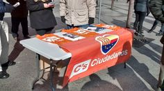Desde #Ciudadanos Zaragoza, llevando el mensaje de Ciudadanos - C's Aragón a los Zaragozanos en la Plaza de España el Domingo 8 de Febrero.