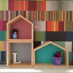 Nichos de Casinha em tamanhos e formatos diferentes para decoração de quarto infantil.