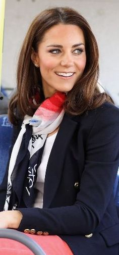 90b66c1fe77 Who made Kate Middleton s pink skinny jeans