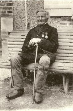 Picture of Louis-Victor Baillot (1793-1898), last french veteran of Waterloo Battle, in 1897.