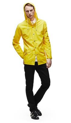 The JACKET style is a modern interpretation of the classic rain jacket. A light-weighted fabric, with an elegant mat surface makes it comfortable to wear, and practical to carry around. The perfect universal short jacket for everyday use Yellow Rain Jacket, Yellow Raincoat, Waterproof Rain Jacket, Fashion Designer, Warm Outfits, Rain Wear, Jackets Online, Jacket Style, Hooded Jacket