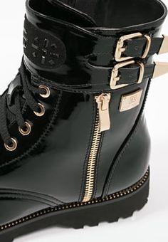 Bottines à lacets Laura Biagiotti Bottines à lacets - black noir: 74,90 € chez…