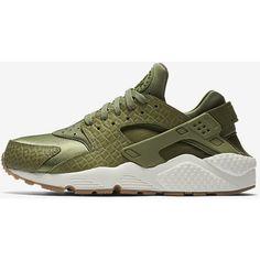 Nike Air Huarache Premium Women's Shoe. Nike.com ($120) ❤ liked on Polyvore featuring shoes, nike footwear, nike and nike shoes