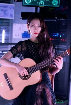 Park shin Hye, Park Shin-Hye, Memories of the Alhambra Park Shin Hye, Korean Actresses, Korean Actors, Actors & Actresses, Korean Dramas, Korean Celebrities, Celebs, Guitar Girl, Selfies
