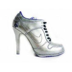 ¡¡zapatillas nike con tacon!!