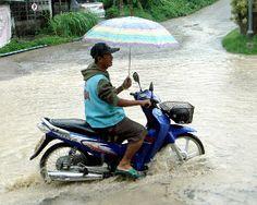 Hilfe es ist nass! Bei Nässe kann man nicht Motorrad fahren? › Reiter-der-Apokalypse Motorrad Blog