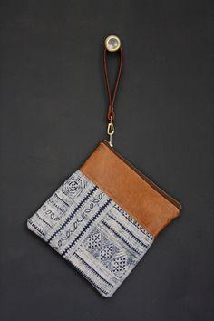 Sac de l'indigo.  Sac tribal. Sac batik. Bracelet par gracedesign