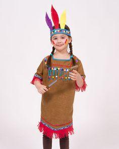 Selbst genähte Kinderkostüme sind am schönsten! Das DIY Indianerkleid könnt ihr einach mit Webbändern, Zackenborte und Holzperlen verzieren.