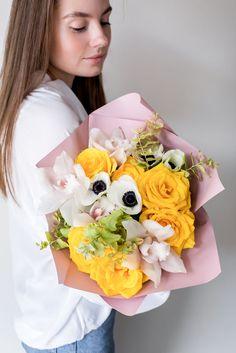 Наши букеты любят за их авторский уникальный стиль, другой такой просто не найти. Хотите запомниться - заказывайте букет в Твери именно в студии Мята Mint Flowers, Floral Wreath, Bouquet, Crown, Wreaths, Decor, Floral Crown, Corona, Decoration
