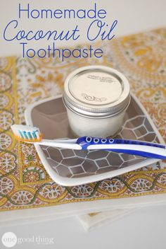 HOMEMADE TOOTHPASTE & 35 OTHER USES FOR COCONUT OIL