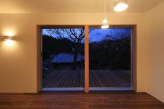 Busca imágenes de diseños de Comedores estilo ecléctico de 早田雄次郎建築設計事務所/Yujiro Hayata Architect & Associates. Encuentra las mejores fotos para inspirarte y crear el hogar de tus sueños.