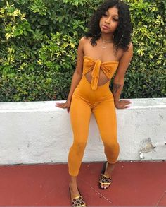 How To Find A Style Uniform, According To A Toronto It Girl – – Fashion Outfits Dope Outfits, Swag Outfits, Fall Outfits, Summer Outfits, Casual Outfits, Black Girl Fashion, Look Fashion, Teen Fashion, Fashion Outfits