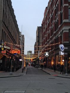 The Fourth Street Alley in downtown Cleveland, Ohio is a popular dining destination due to its mix of restaurants, cafes and bars.