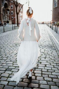 Hippie Look, Jenny Packham, White Lace Skirt, White Dress, Garden Wedding Dresses, Winter Bride, Bridal Shoot, Simple Weddings, Boho