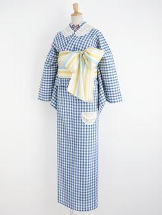 How sweet is this kimono outfit! It is by a wonderful place called Double Maison. Yukata Kimono, Kimono Outfit, Kimono Fashion, Modern Kimono, Kimono Design, Wedding Kimono, Japanese Kimono, Japanese Geisha, Kimono Pattern