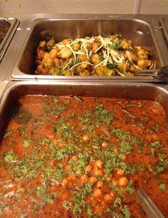 Top: Allo Gobi & Bottom: Channa Masala  #Indianfood #buffet